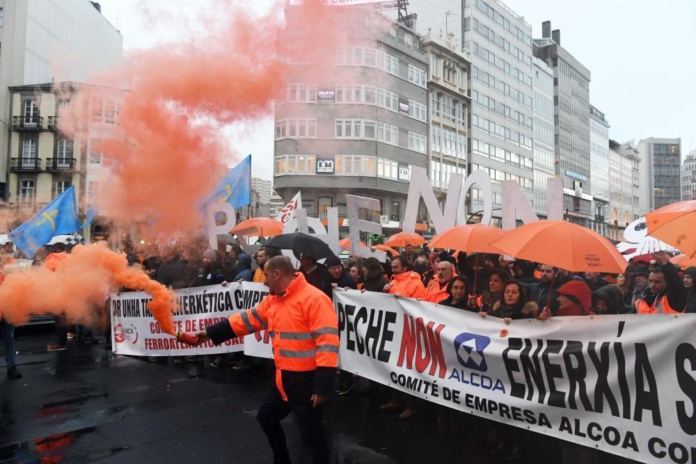 Concentración de trabajadores de Alcoa en A Coruña