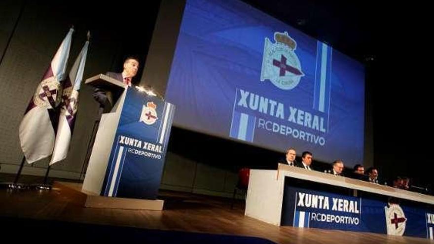 Vidal toma posesión en el Dépor