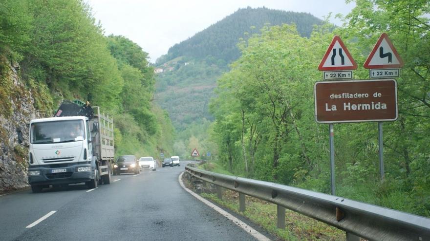 Transportes destina 16 millones de euros a la obra de la carretera de La Hermida