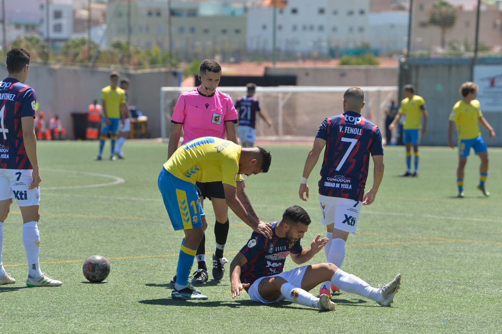 Partido entre Las Palmas Atlético y Yeclano Deportivo (9/05/2021)