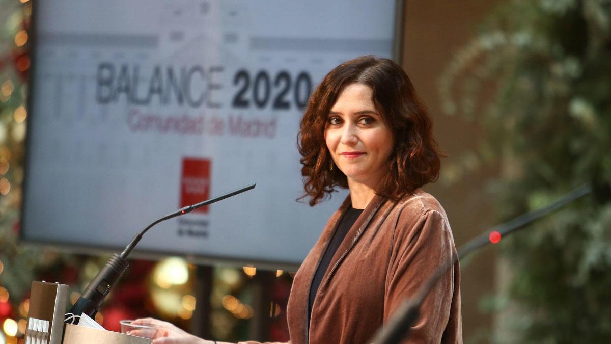La presidenta de la Comunidad de Madrid, Isabel Díaz Ayuso, durante una rueda de prensa tras mantener el último Consejo de Gobierno del año, en Madrid.