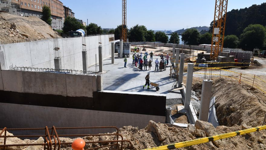 El nuevo complejo de piscinas de Pastoriza/Meicende, en construcción