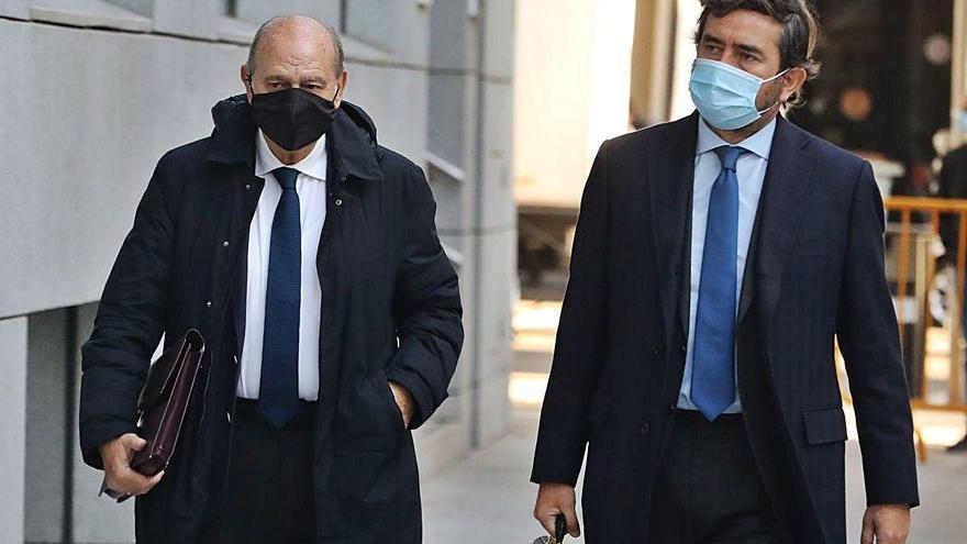 Fernández Díaz nega que fossin Cospedal o Rajoy qui li ordenessin l'operació Kitchen
