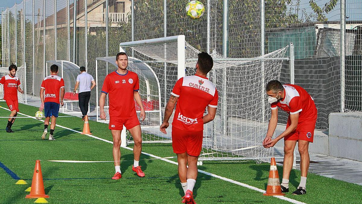 Entrenamiento de los jugadores de la Unión Deportiva Ourense. |  // IÑAKI OSORIO