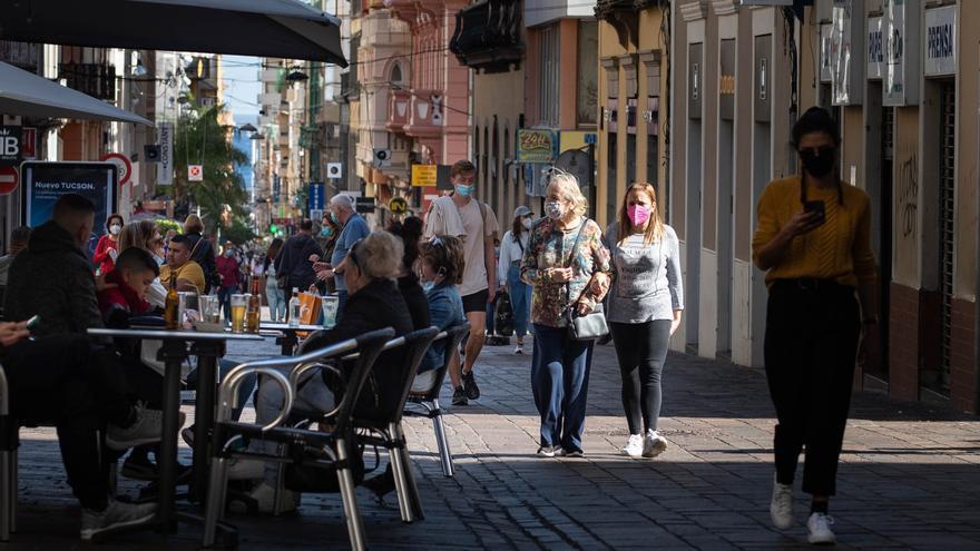 Canarias registra ocho fallecidos y 272 casos más en 24 horas