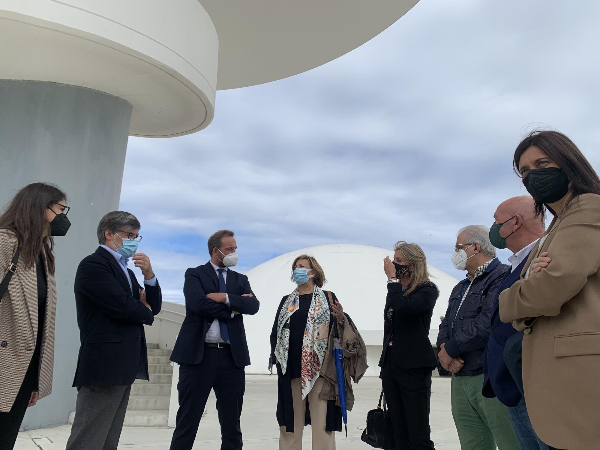 Secretario de Estado de Turismo en el Niemeyer 2.jpg