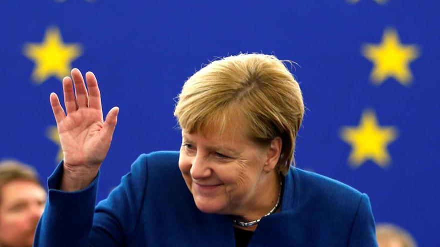 Merkel proposa a l'Eurocambra la creació d'un exèrcit europeu