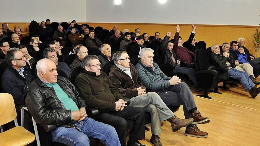 La Sociedad de Caza de Lalín mantendrá la misma directiva hasta el próximo mayo