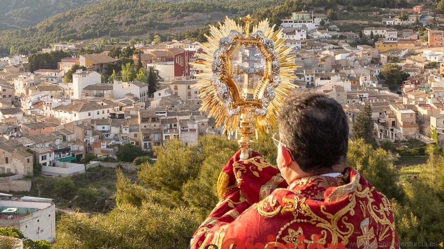 La Vera Cruz regresa a su Basílica