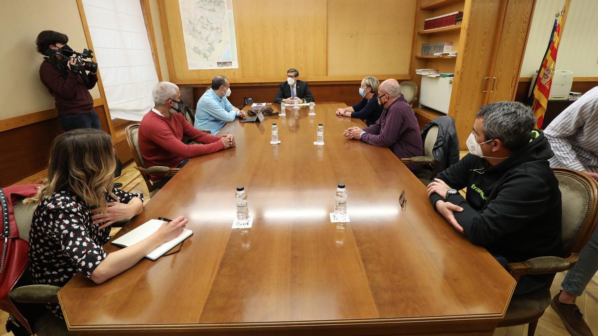 Reunión de Arturo Aliaga con el comité de Ferroatlántica