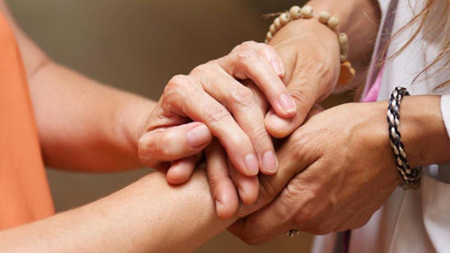 La Fundación La Caixa moviliza a 230 profesionales de atención psicosocial