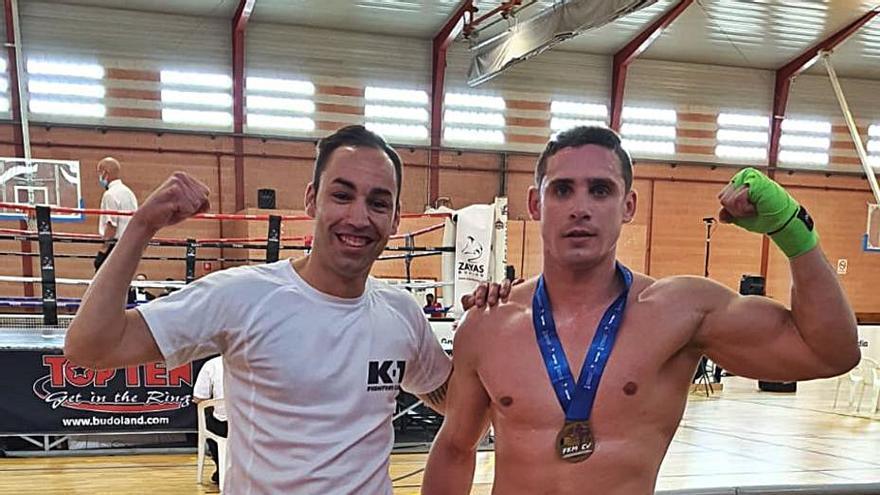 Noel Luna revalida el título de campeón de Kick Boxing