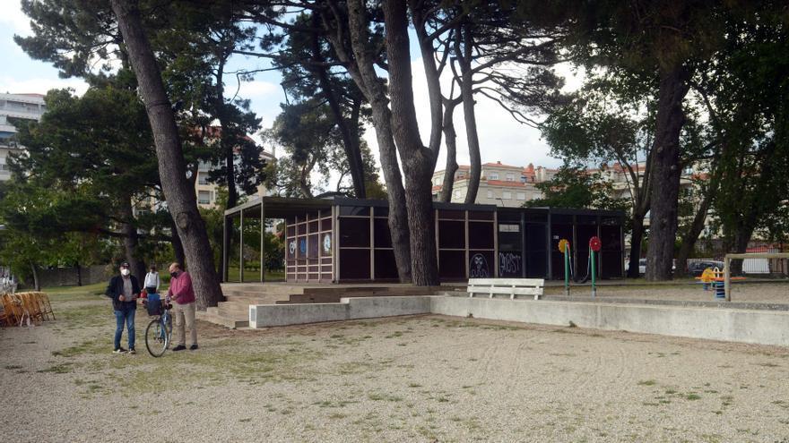"""El quiosco-bar de la playa Compostela abrirá como """"beach club"""" y con música en directo"""