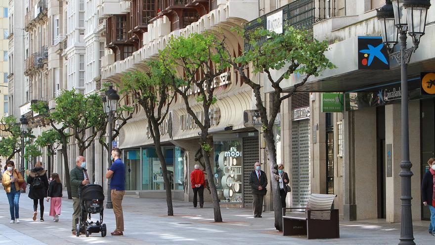 Galicia deja atrás las curvas del COVID-19, ahora convertidas en meseta