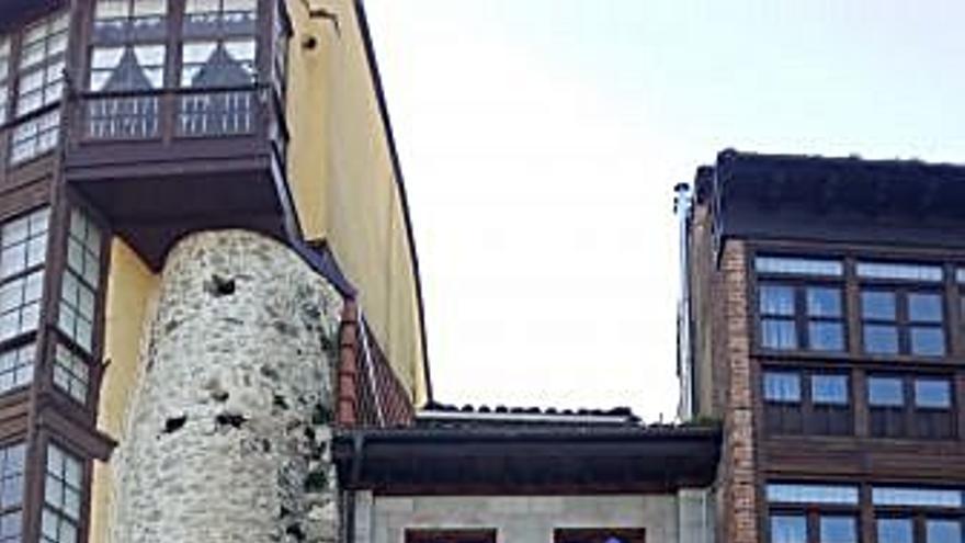105.000 € Venta de piso en Llanes 75 m2, 3 habitaciones, 1 baño, 1.400 €/m2, 2 Planta...