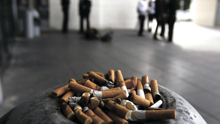 Tres de cada cuatro personas que acaban un curso para dejar de fumar lo consigue