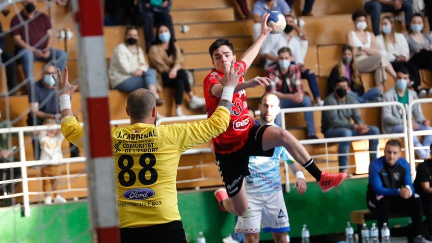 Las imágenes del Cajasur Córdoba Balonmano ante el Sporting Alicante