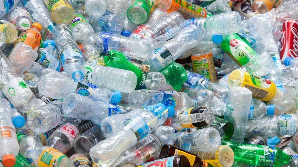 España solo recicla el 30% de los envases que van al contenedor