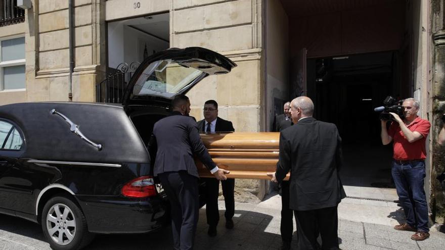 """Asturias, rendida a Arturo Fernández en su capilla ardiente: """"Se nos fue un fenómeno"""""""