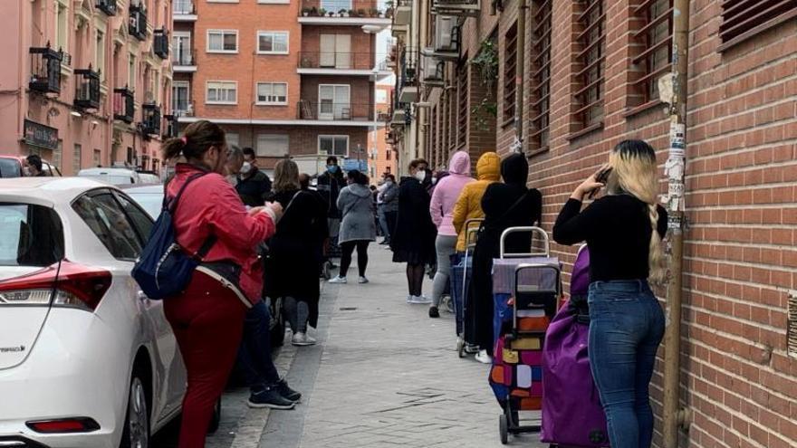"""""""No miraremos a otro lado ante el aumento de la pobreza en Asturias"""", afirma la consejera de Bienestar en la Junta General"""
