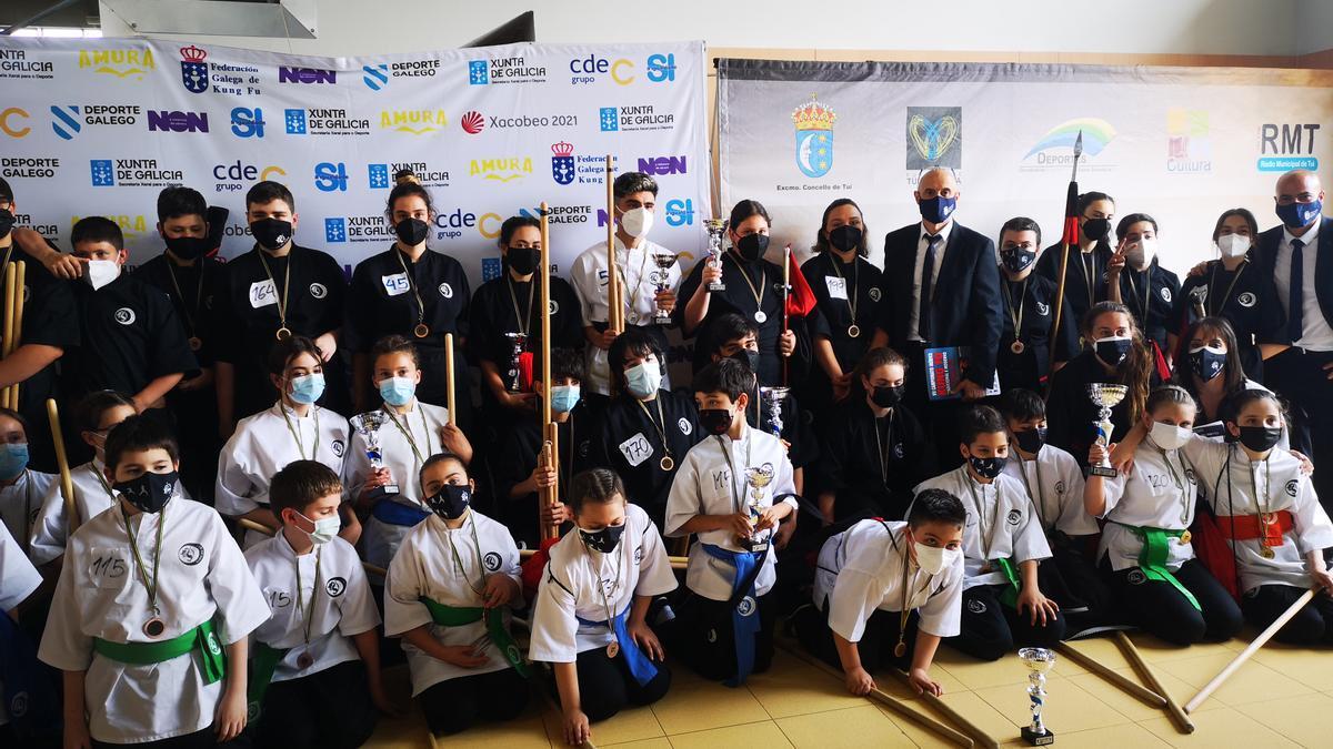 Equipo del Kung Fu Zen que participó en el Campeonato de España e Ibérico de Kung Fu de Tui.