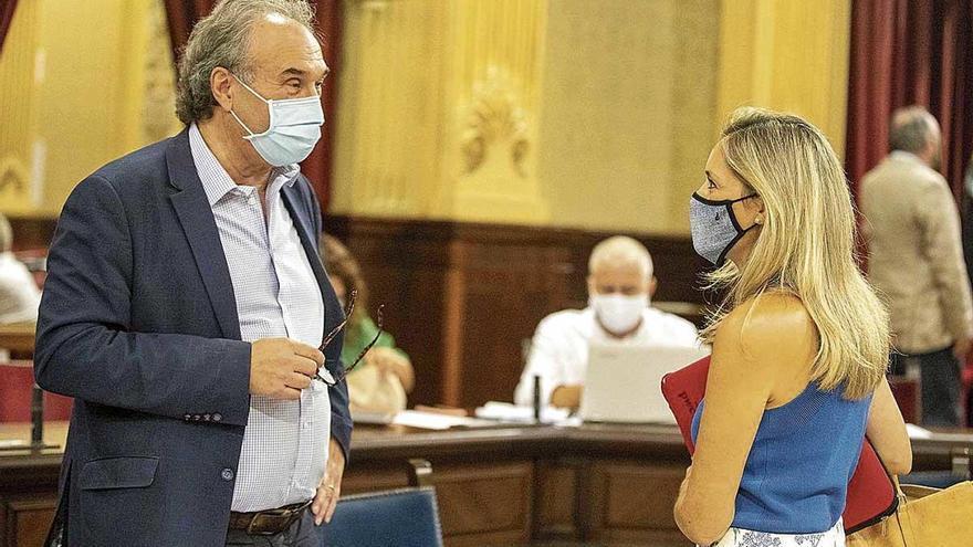 Una diputada de Ciudadanos da positivo tras ir al Parlament y reunirse con Armengol