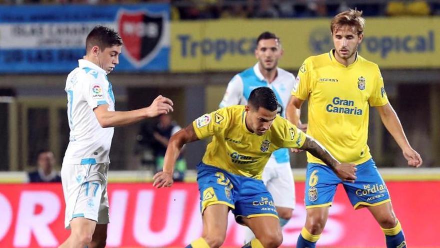 El Deportivo remonta y alarga la crisis de Las Palmas