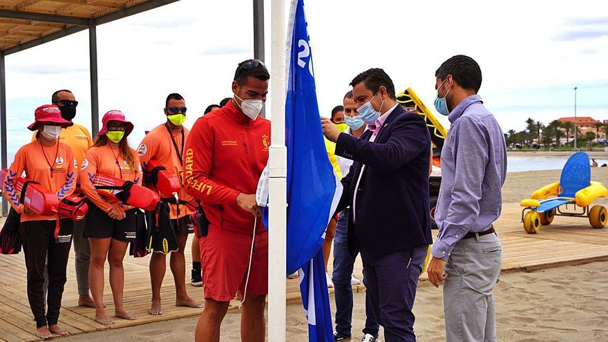 Las Galletas y La Arenita se unen a las playas aroneras con socorristas