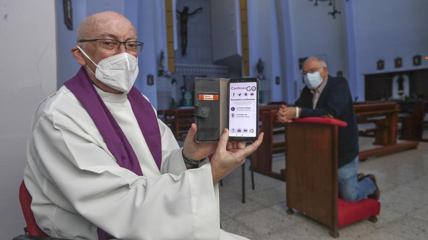 El sacerdote que permite confesar bajo cita previa