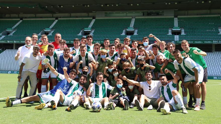 El filial del Córdoba CF se despide en El Arcángel a lo grande (8-2)