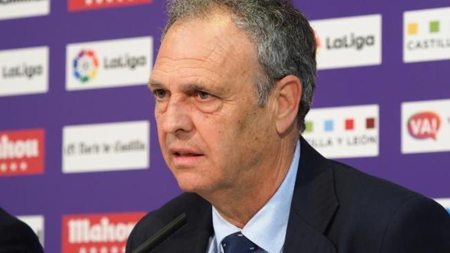 El Betis muestra su apoyo a Joaquín Caparrós