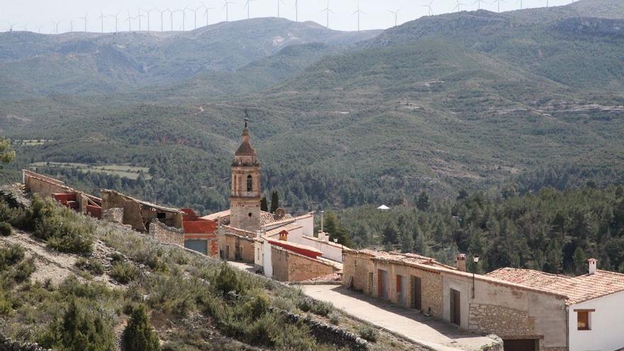 "La fibra óptica llega ""casi por sorpresa"" a un municipio del interior de Castellón"