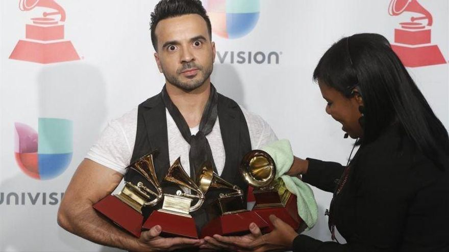 'Despacito' reina en los Grammy Latino