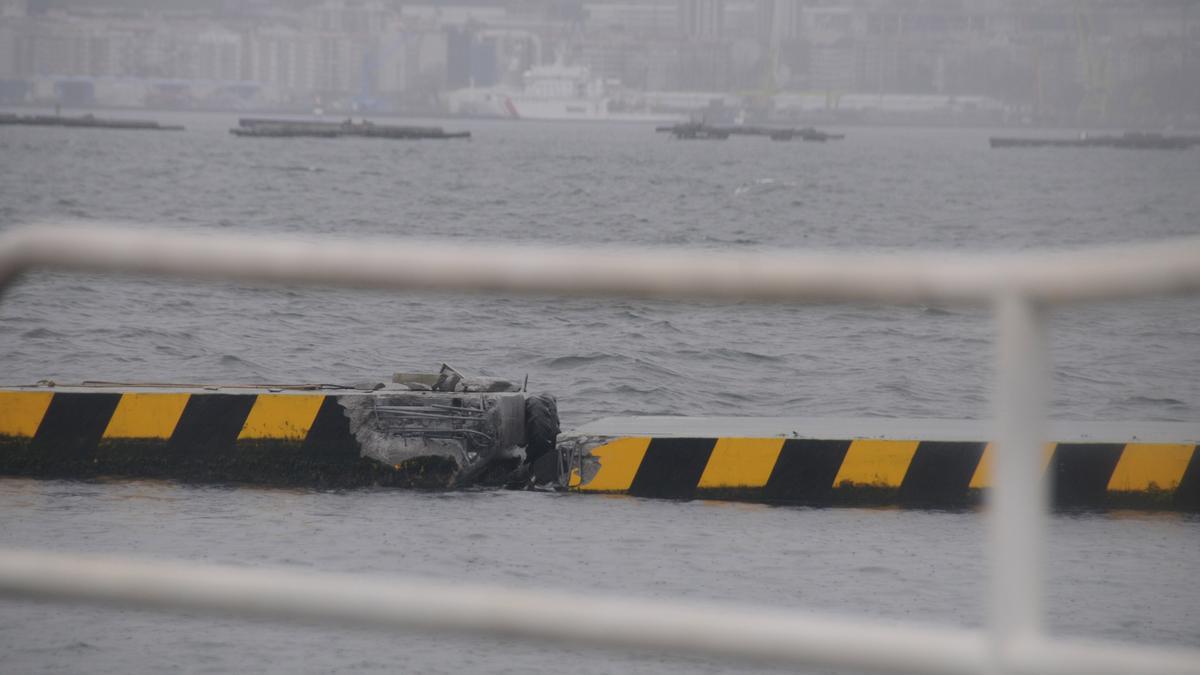 Un punto de daños del nuevo dique flotante. / G.N.