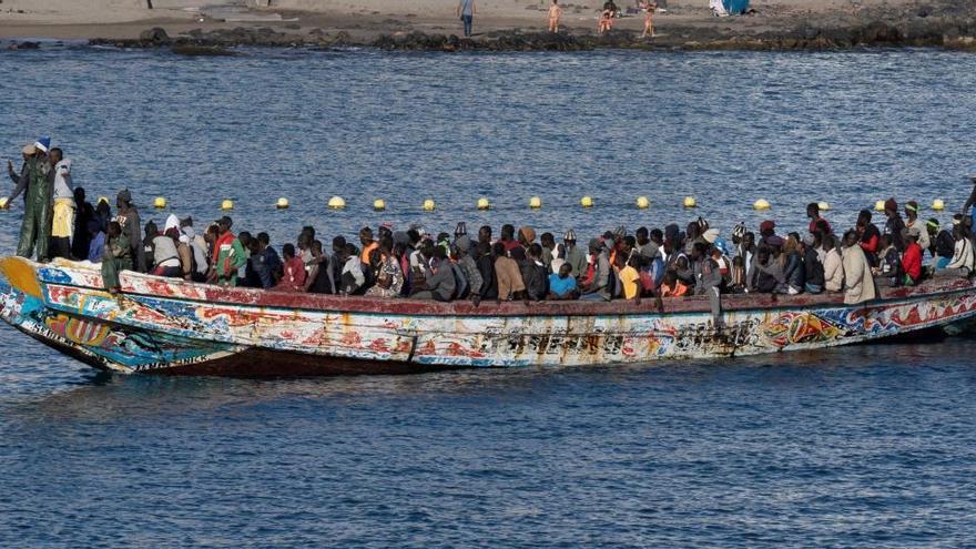 Llegan a Canarias más de 1.000 inmigrantes en un día