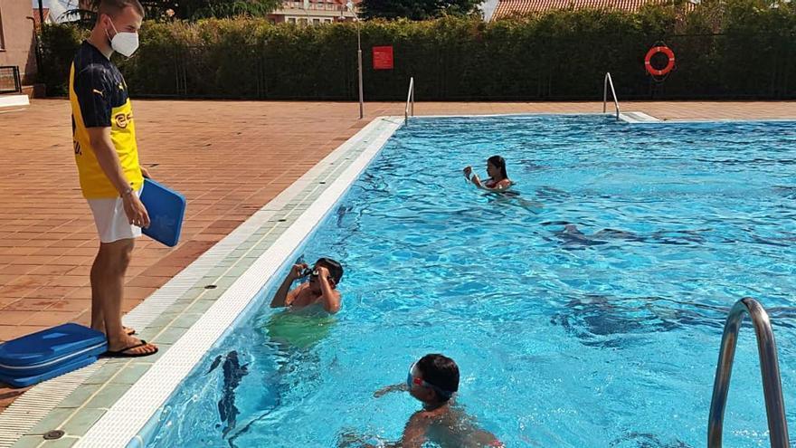 Arranca el turno de agosto de los cursos de natación de Carral