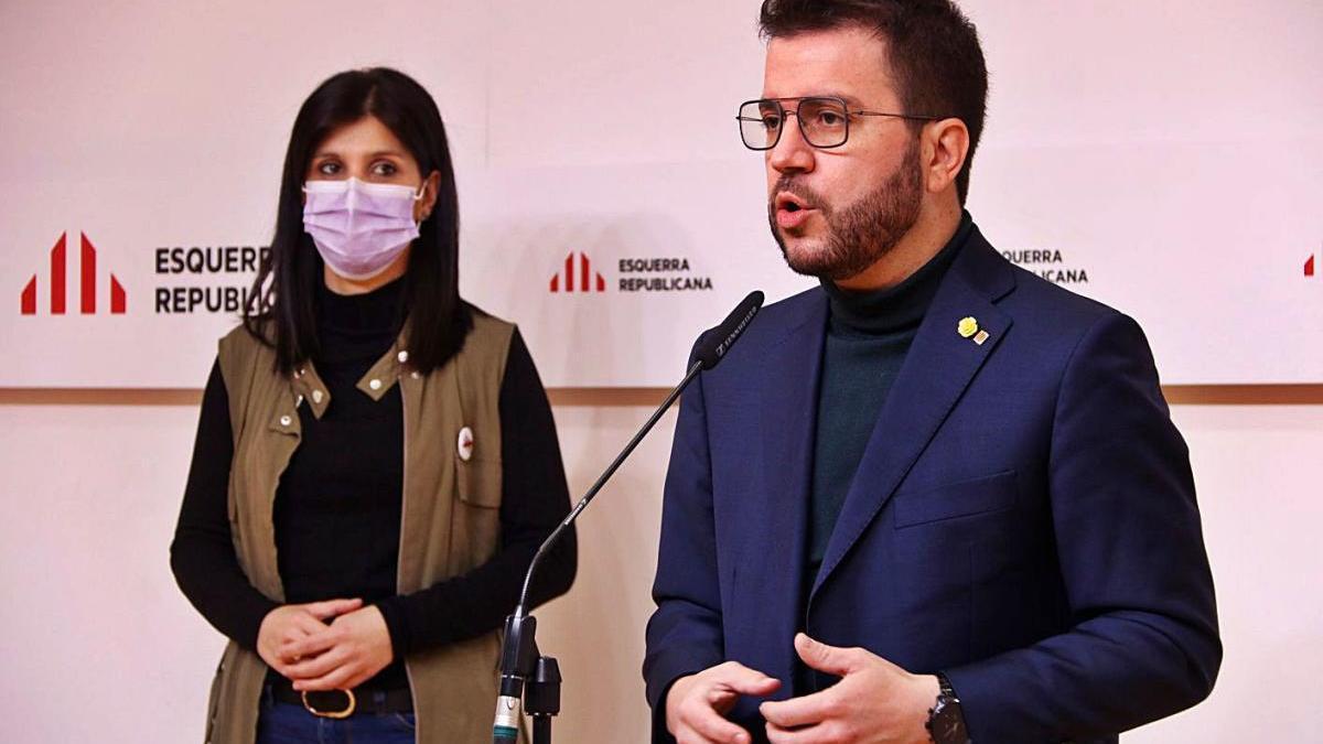 Pere Aragonès i Marta Vilalta, en una atenció ahir als mitjans.