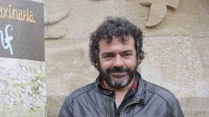 """Cantos na Maré"" contará con el músico de Guinea Manecas Costa para recordar a Narf"