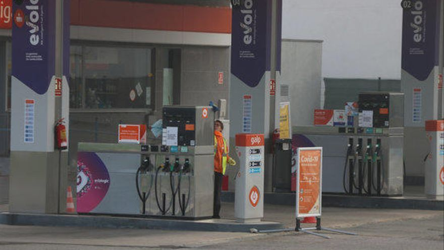 El consum de carburants ha caigut fins a un 90% des de l'estat d'alarma