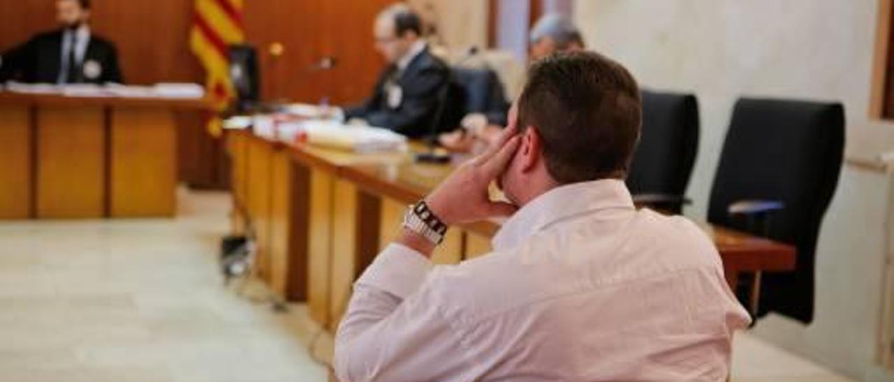 El procesado, de 36 años, ayer por la mañana en el juicio celebrado en la Audiencia de Palma.