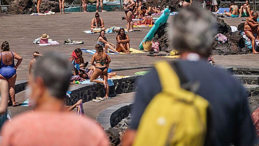 Los alojamientos canarios cierran agosto al 65% de ocupación