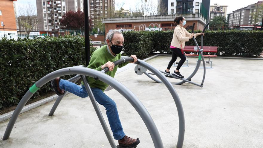 A toda máquina en los parques: el auge de los aparatos deportivos