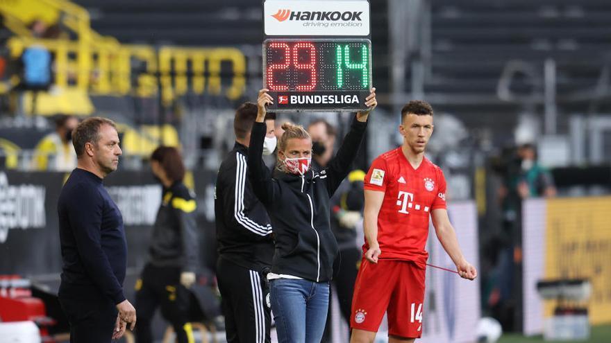 Así cambia el fútbol la regla temporal de los cinco cambios