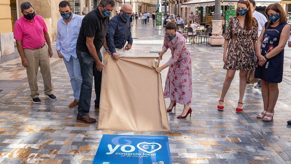 Los comerciantes animan a los cartageneros a comprar en sus establecimientos