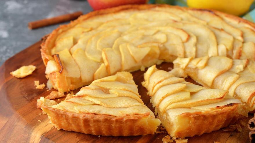 La deliciosa receta de la tarda de manzana, al microondas, con la que sorprenderás a todos
