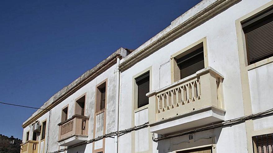 Petrés cierra una etapa y vende la casa del secretario