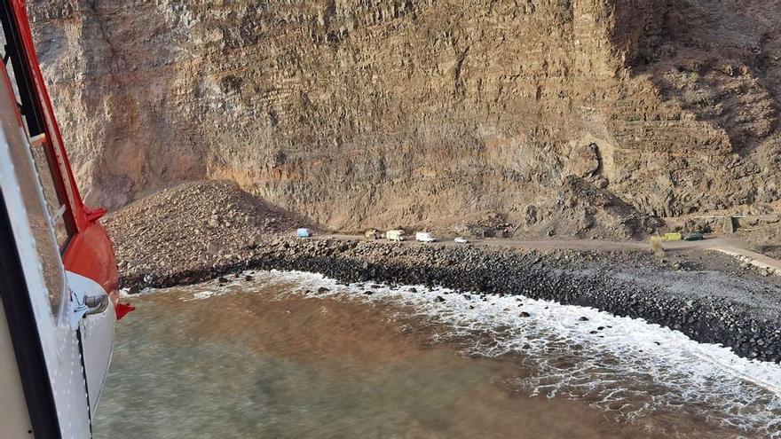 Continúan los rastreos en la zona del desprendimiento de La Gomera
