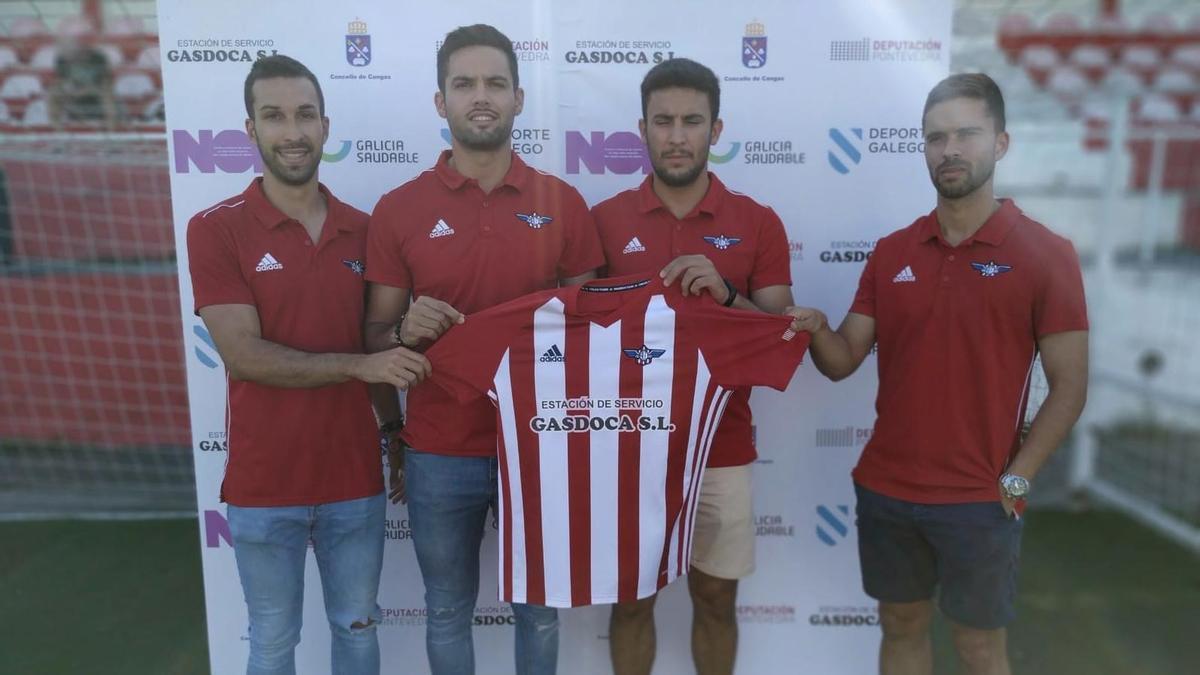 Guille, Nando, Anxo Vilas y Ube en su presentación como jugadores del Alondras.