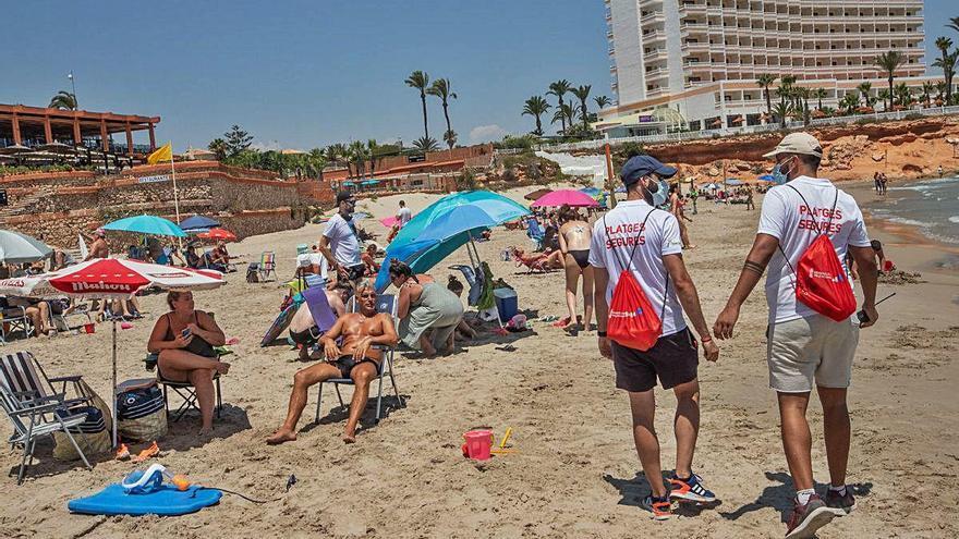 Orihuela vigila el aforo de sus 11 playas con mapas de calor y sensores cuentapersonas