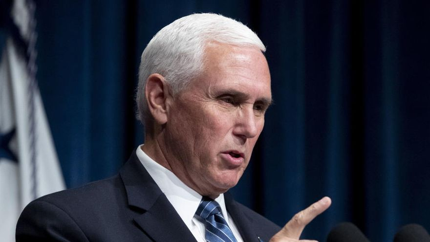 """La Casa Blanca culpa a los """"jóvenes indisciplinados"""" del repunte de casos en EEUU"""